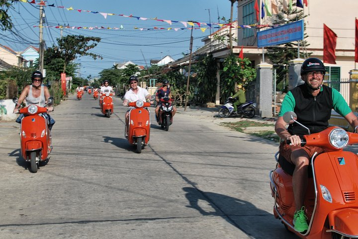 Half-day HOI AN COUNTRYSIDE ADVENTURE BY ELECTRIC SCOOTER, Hoi An, VIETNAM