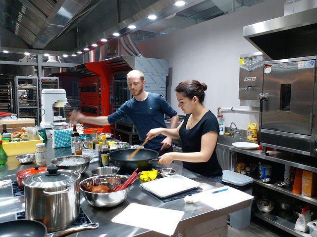 Small Group Local Market Walking Tour and Chinese Cooking Class in Hong Kong, Hong Kong, CHINA