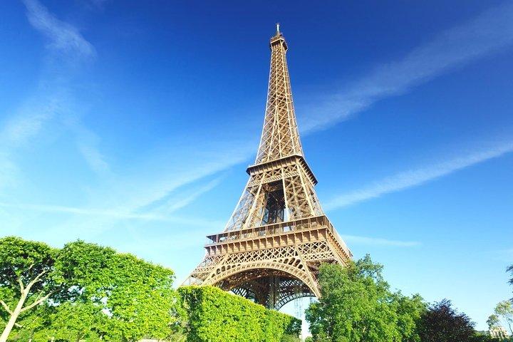 Evite as filas: excursão para grupos pequenos para a Torre Eiffel, Paris, França