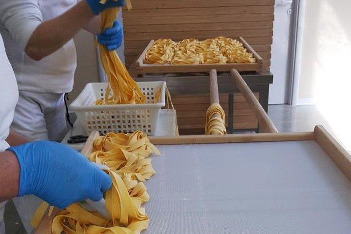 Pasta Factory Tour and Pisa, Pisa, ITALIA