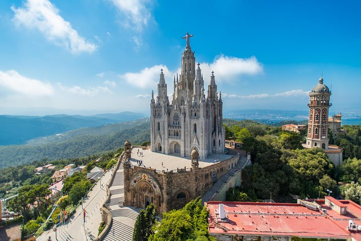 Private Guided Barcelona Highlights Tour with Hotel Pick-up, Barcelona, Spain