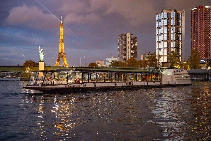 Paris Seine River Lunch Cruise with 3-Course Gourmet Meal, Paris, FRANCE