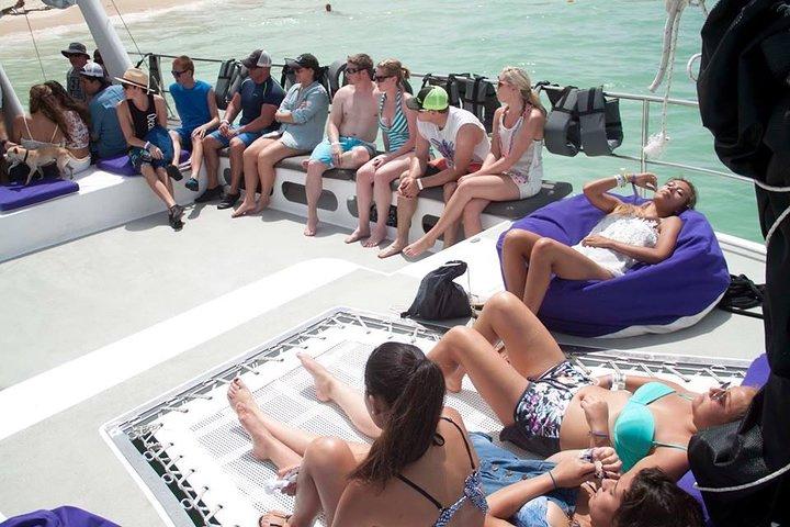 Crucero de fiesta en Punta Cana con buceo de superficie, buceo Hooka y parapente, ,
