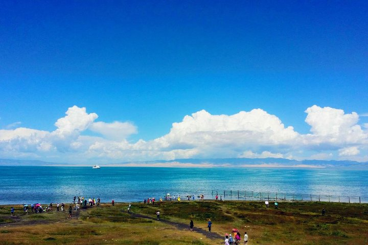Private Round-Trip Transfer to Qinghai Lake from Xining City Hotel, Xining, CHINA