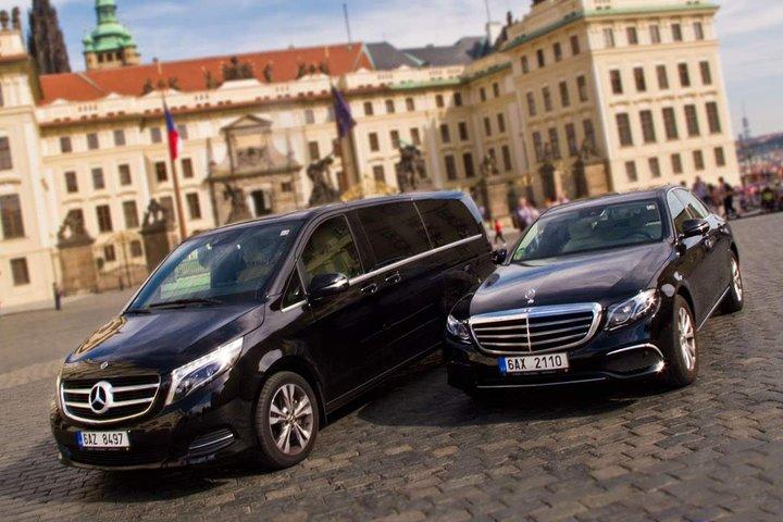 3 Hour Private Transfer: Passau to Prague, Passau, GERMANY