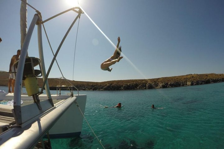 Mykonos Catamaran Full Day Private Sailing Cruise with Food and Drinks, Miconos, GRECIA