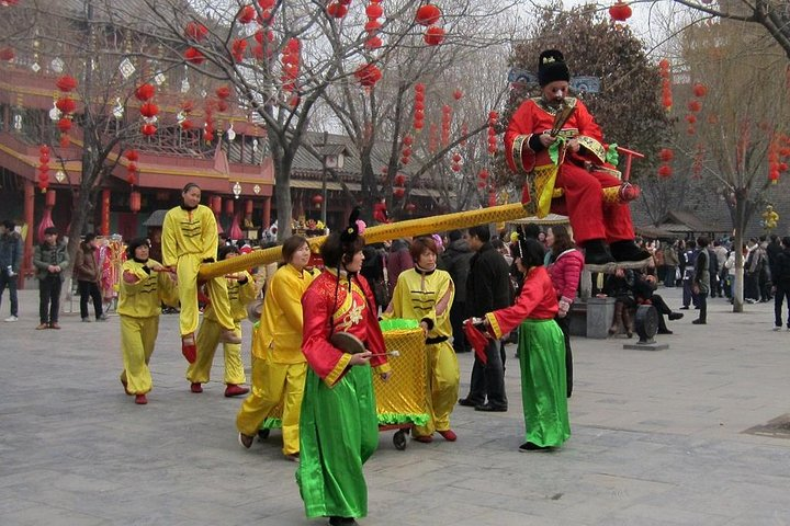 Kaifeng Afternoon Tour with Millennium Park Night Performance from Zhengzhou, Zhengzhou, CHINA