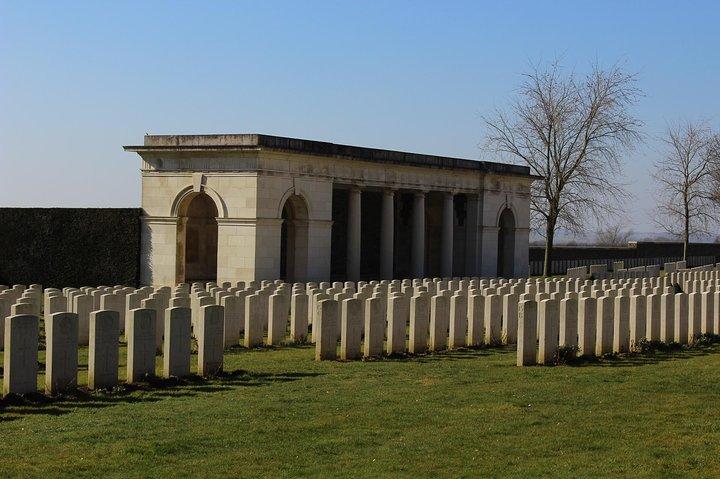 Private Round Trip Transfer from Arras or Lens to Vimy Ridge, Arras , França