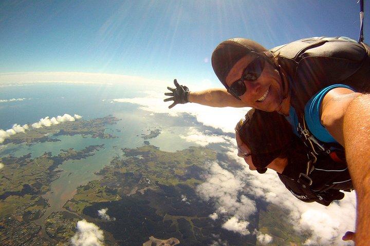 16500ft Skydive - 70 Seconds of free fall, Bahia de Islas, NUEVA ZELANDIA