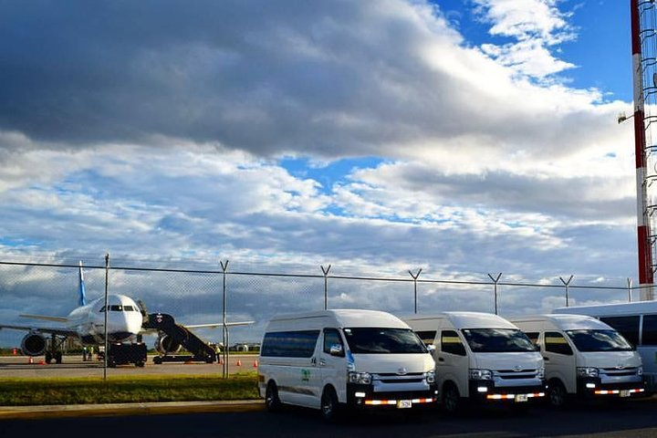 Airport Transfer from Liberia Airport to Riu Guanacaste Hotel (one way), Playa Hermosa, COSTA RICA