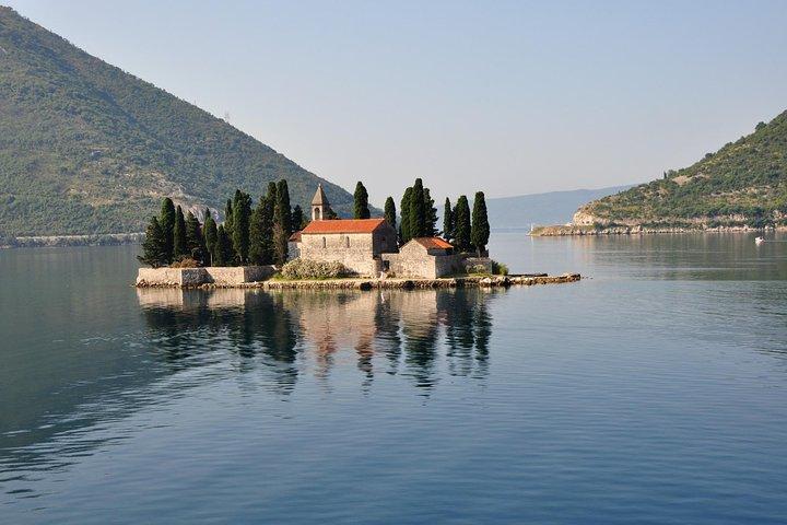 Private transfer from Corfu to Budva or Kotor, Corfu, Grécia