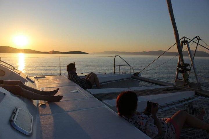 Mykonos Catamaran Private Sunset Sailing Cruise with Food and Drinks, Miconos, GRECIA