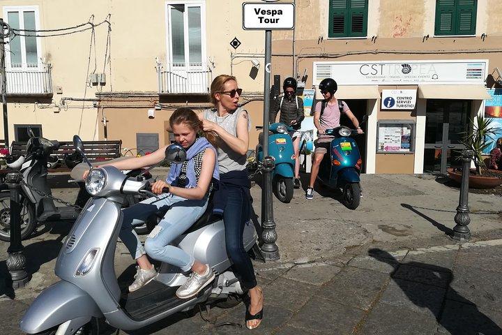 City tour in Vibo Valentia on a Vespa, Tropea, ITALIA
