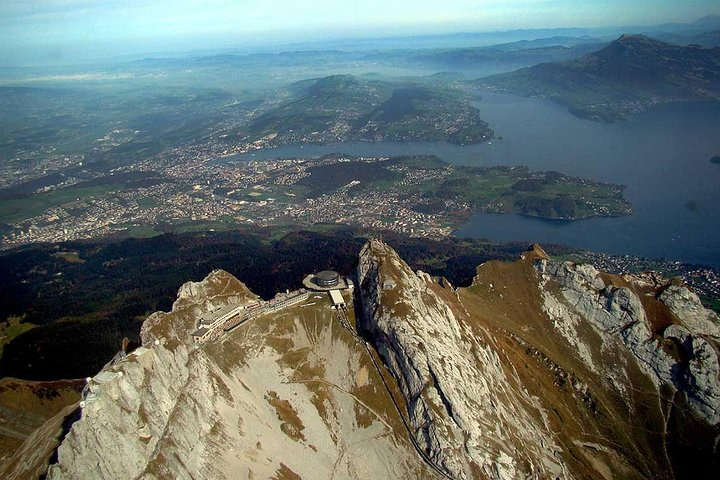 30 Minutes scenic Rigi & Pilatus helicopter flight from Lucerne, Lucerna, SUIZA
