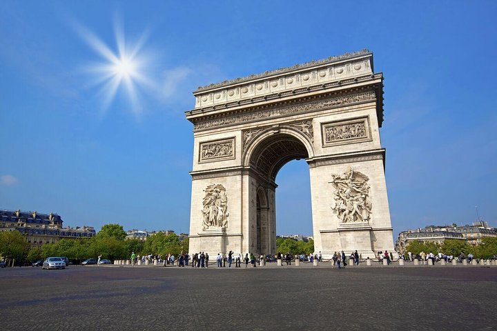 Fully Guided Luxury Paris Day Trip with Lunch at the Eiffel Tower, Londres, REINO UNIDO
