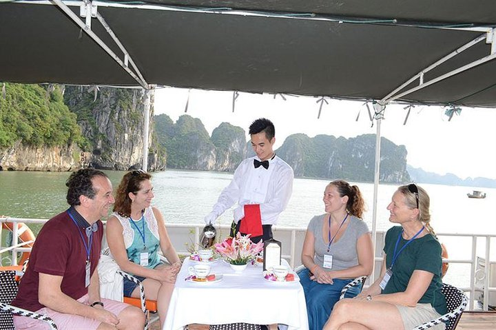 Halong Bay Cruise with Private Car Transfer on EXPRESSWAY, Hanoi, VIETNAM
