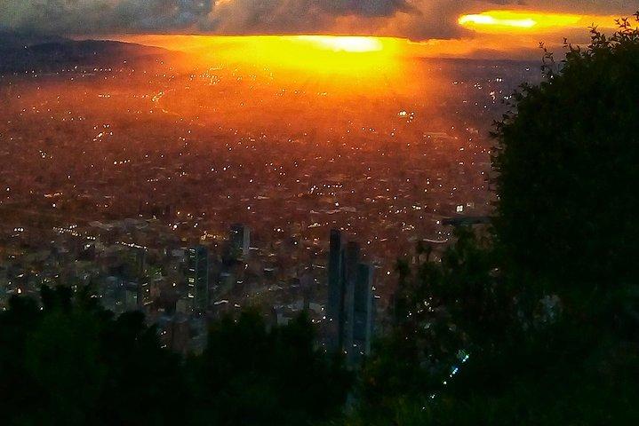 Excursión de 4 horas por Bogotá durante la escala. Incluye traslado de ida y vuelta desde el aeropuerto., Bogota, COLOMBIA