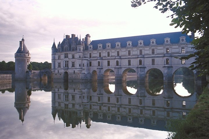 Loire Valley Castles Guided Visit in Small Group from Paris, Paris, FRANCE