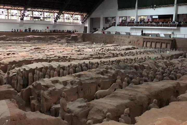 Impressive 1Day tour for Terra Cotta Army,Huaqing Palace and Muslim Quarter, Sian, CHINA