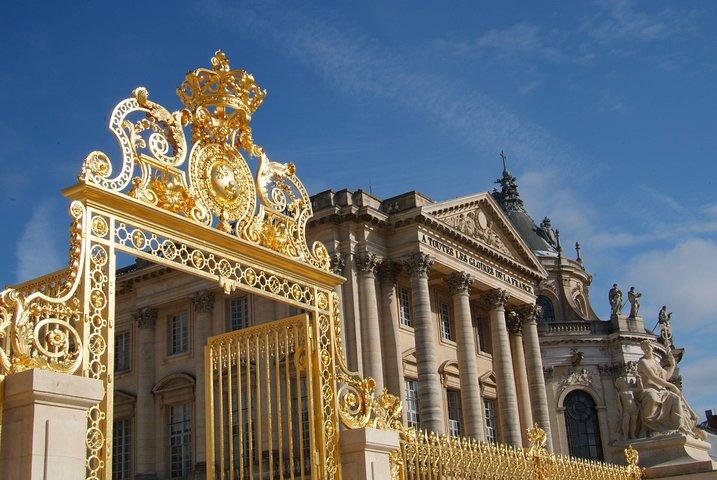 Versailles Palace Guided Tour with Gardens & Fountains Show from Paris, Paris, França