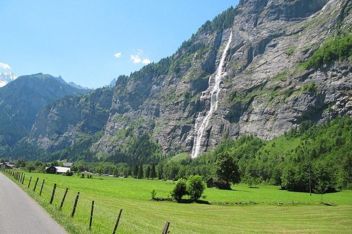 6-Hour Guided e-bike tour to Lauterbrunnen 72 Waterfalls Valley and Swiss Picnic, Interlaken, Switzerland