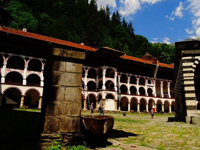 Monasterio de Rila e iglesia de Boyana con almuerzo ligero, Sofia, BULGARIA