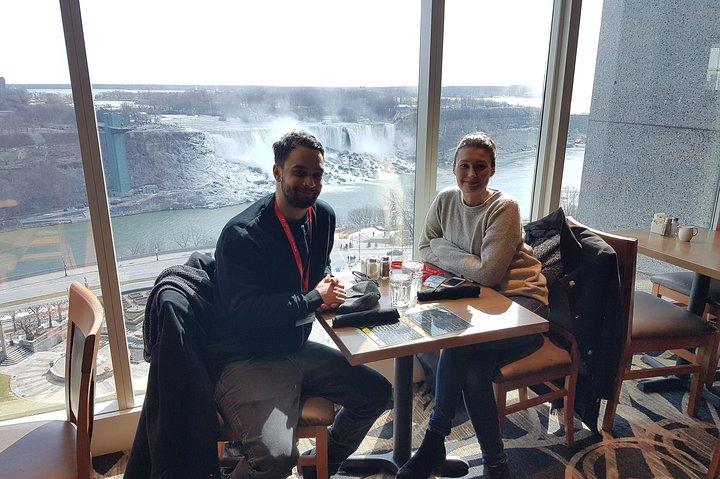 Luxury Bus Day Tour of Niagara Falls & Hornblower Cruise from Toronto, Toronto, CANADÁ