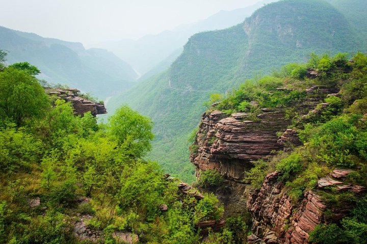 1-Way Private Transfer Service to Yuntai Mountain from Luoyang, Luoyang, CHINA