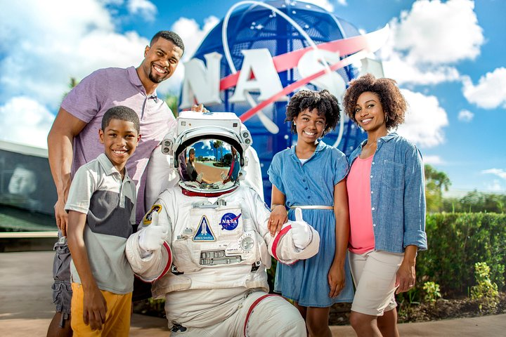 Kennedy Space Center Ultimate Experience: Dine with an Astronaut and Up-Close Tour with Transport from Orlando, Orlando, FL, ESTADOS UNIDOS