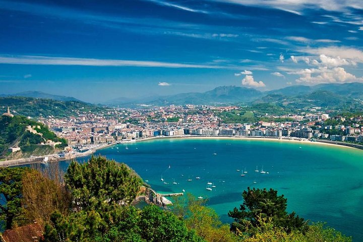 Sunrise Sup tour & breakfast - Private experience, San Sebastian, ESPAÑA