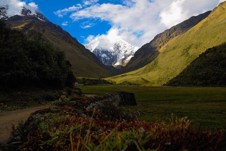 Humantay Lake and Machupicchu 2-Day in 3-Star Hotel, Cusco, PERU