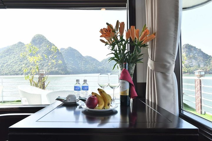 Experiencing 3 days - 2 nights at balcony cabins on Premium boats all inclusions, ,