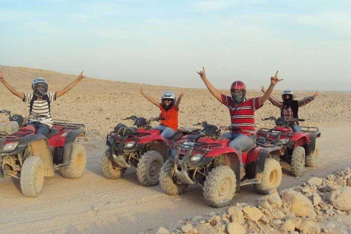 Sunset Quad Bike Safari Tour in Luxor, Guiza, EGIPTO