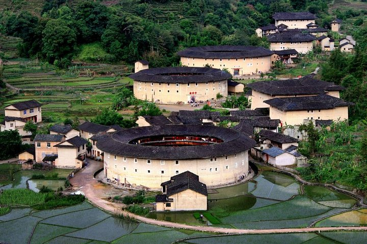 Private Day Tour To Hongkeng Earth Building from Xiamen Including Lunch, Xiamen, CHINA
