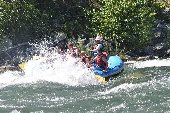 Wenatchee River Class 3 Whitewater Rafting Adventure, Chelan, WA, ESTADOS UNIDOS