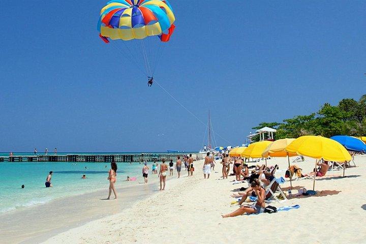 Falmouth 5-Hour Shore Excursion: Doctor's Cave Beach Private Tour, Falmouth, JAMAICA