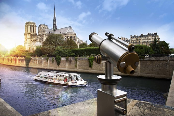Seine River Hop-On Hop-Off Sightseeing Cruise in Paris, Paris, FRANCE