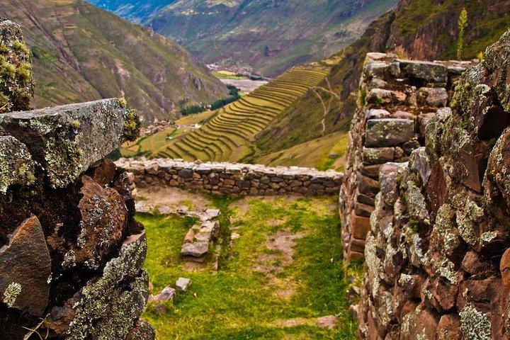 Sacred Valley Pisac Ollantaytambo and Chinchero Full-Day Tour, Cusco, PERU