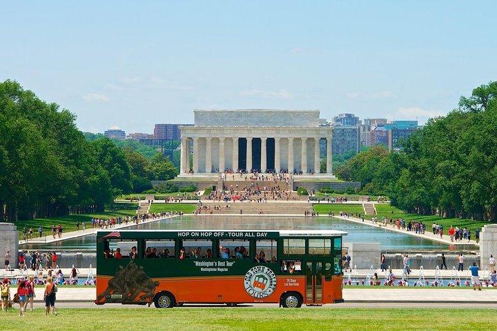 Recorrido en tranvía con paradas libres por Washington DC incluida la visita guiada al Cementerio Nacional de Arlington, Washington DC, ESTADOS UNIDOS