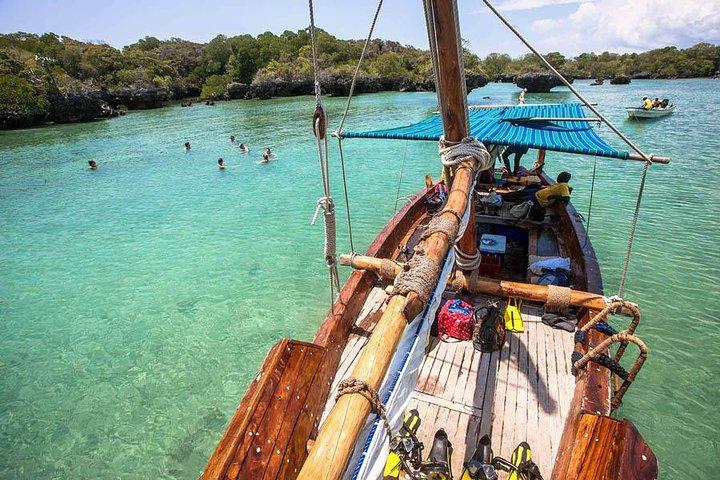 Tanzania Blue Safari Fascinating day - Zanzibar, Dar es Salaam, TANZANIA