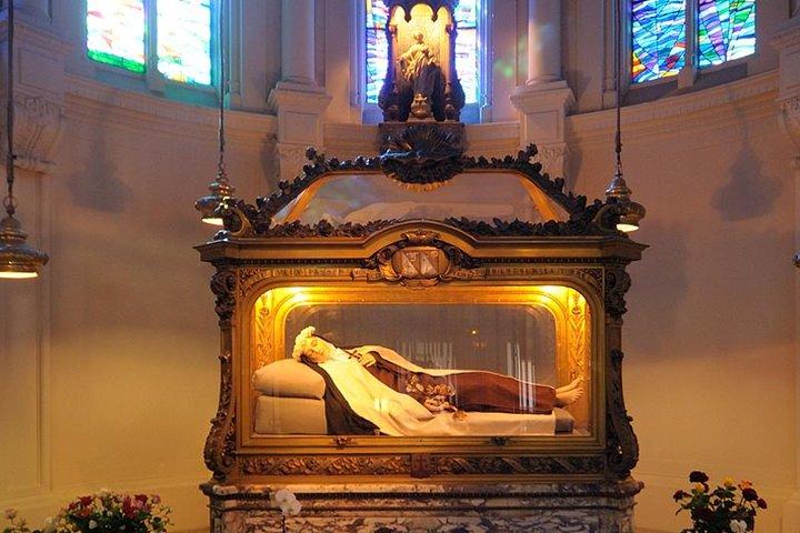 St. Teresa of LISIEUX | PRIVATE Shore Excursion from Le Havre or Cherbourg, Monte Saint-Michel, França