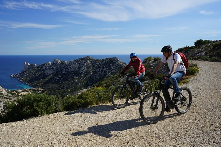 Marseille City and Calanques Electric Bike Tour, Marsella, FRANCIA
