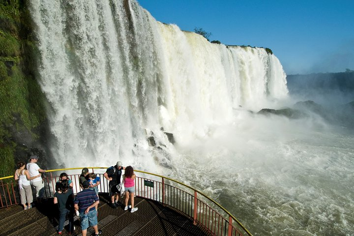 Cataratas Brasileñas + Paseo en Barco Macuco Safari, Puerto Iguazú, ARGENTINA