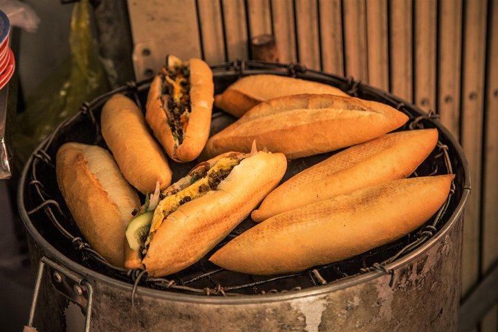Evening Hoi An Food Tour by Bike, Hoi An, VIETNAM