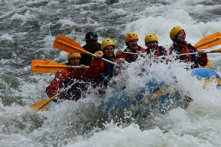 River Rafting and Zipline Tour from Salta with Argentine Barbecue Lunch, Salta, ARGENTINA