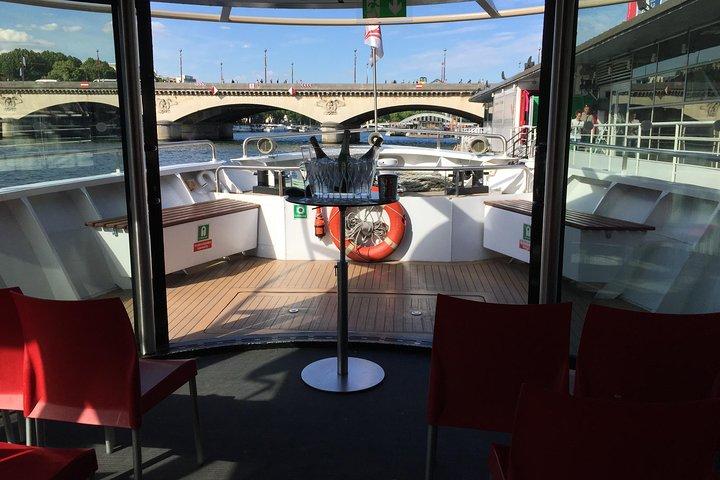 Champagne Tasting on a Seine River Cruise, Paris, FRANCE