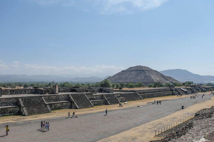 Teotihuacan, Shrine of Guadalupe & Tlatelolco Day Tour, Ciudad de Mexico, Mexico