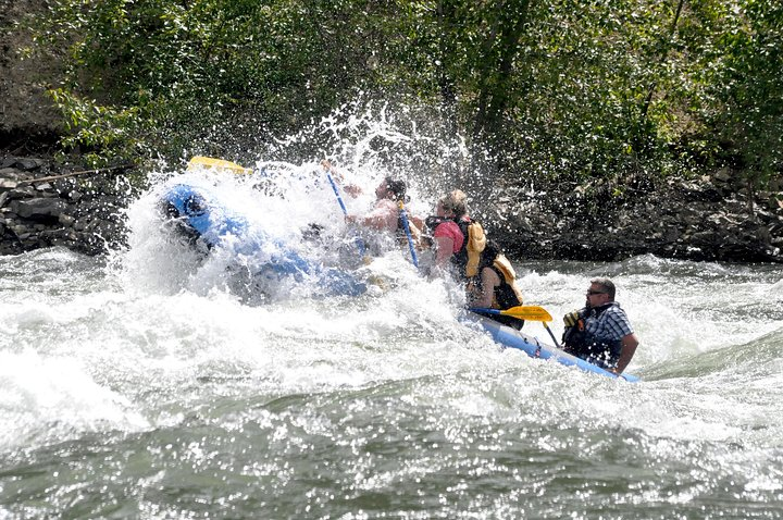 Whitewater and Wine: Wenatchee River Whitewater Rafting and Winery Tour, Chelan, WA, ESTADOS UNIDOS