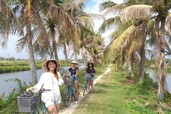 Countryside bike tour, basket boat and cooking class, Hoi An, VIETNAM