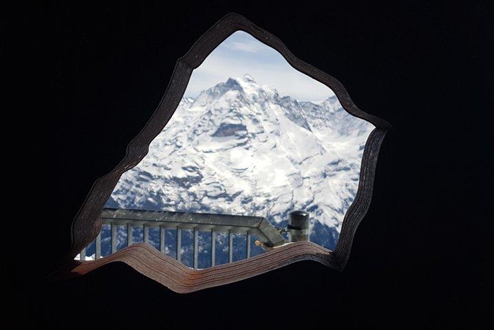 Schilthorn Piz Gloria (James Bond Location) Small Group Tour from Bern, Berna, SUIZA